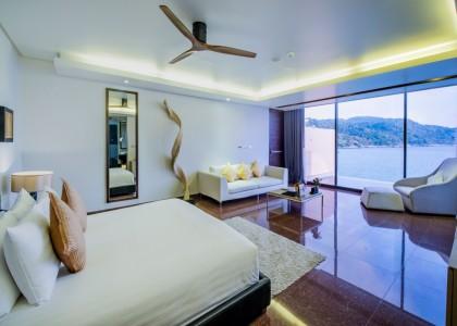 Grand Private Pool Suite